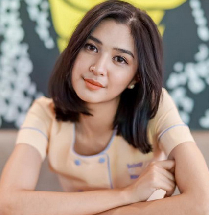 Mikha Tambayong Profile Contact Details Phone Number Email Instagram Twitter Hire Famous Celebs