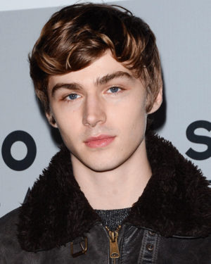 Miles Heizer Profile| Contact Details (Phone number, Email, Instagram, Twitter)
