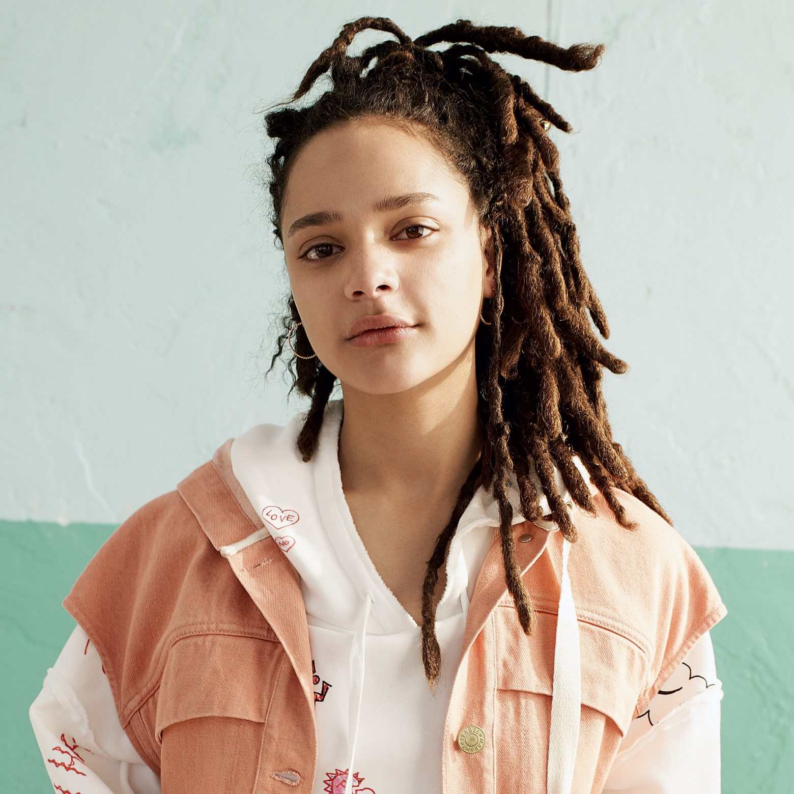 Sasha Lane Profile| Contact Details (Phone number, Instagram, Twitter)